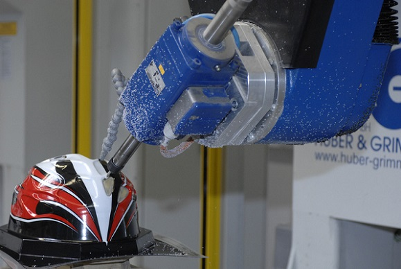 Material flow optimised site structure for helmets manufacturer
